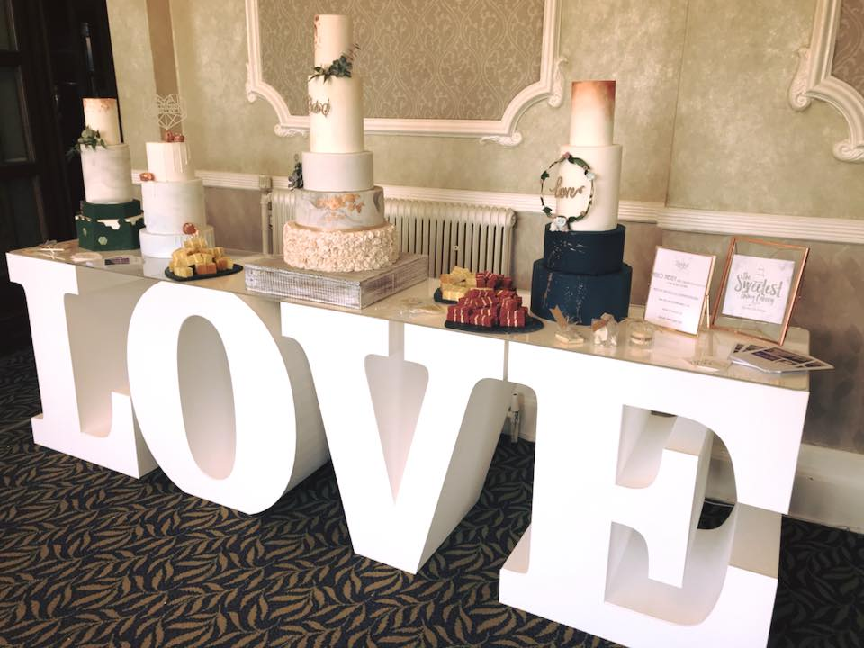 Love Cake Letter Table