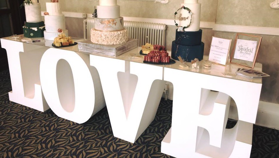 love table slider
